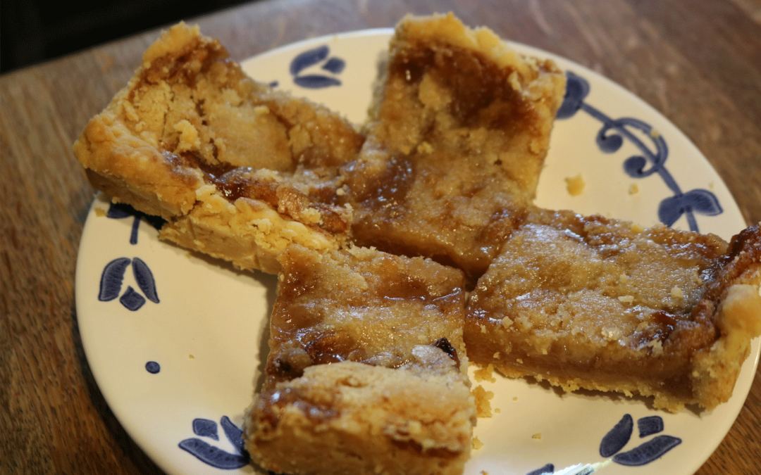 Auntie's Butter Crust Apple Squares