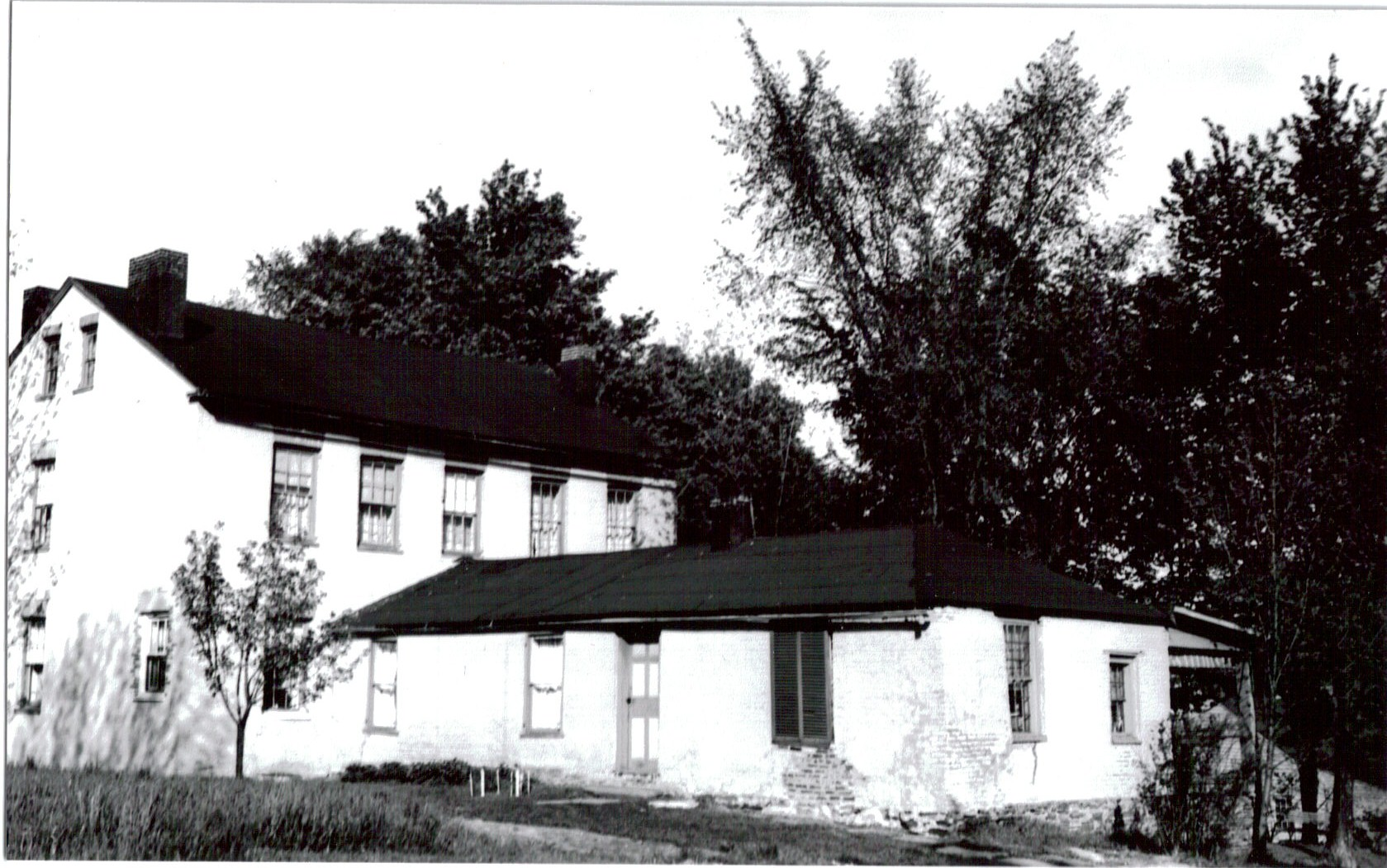 James Manning House, Old House Black and White