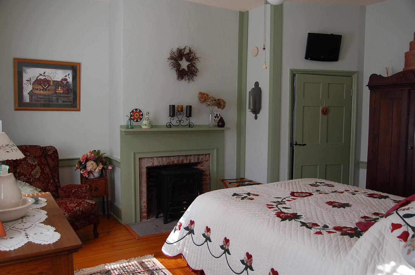Berks Room, James Manning B&B, Honesdale, PA